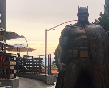 7 Foot-Tall Bronze Batman Statue Comes to Burbank as 'Selfie Spot' to Attract Tourism